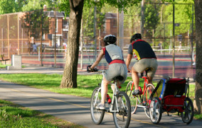 Linking Parks to Pedestrian Networks: Making Connections by Integrating Trails and Amenities
